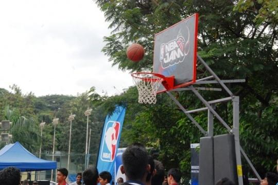 Bangalore Gets Ready For NBA Jam 2013