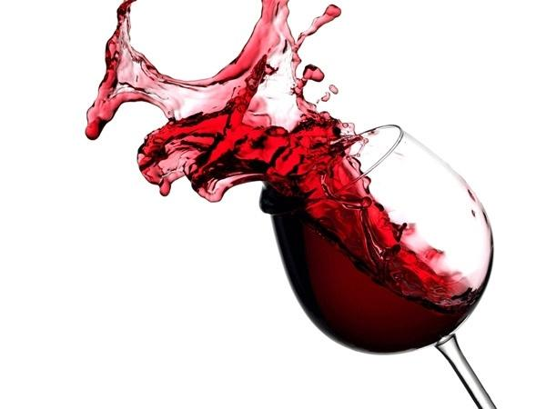 5 Amazing Uses Of Red Wine In Your Skincare Routine