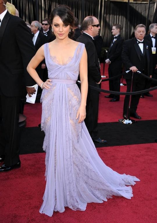 Oscar Fever: 10 Best Oscar Dresses of All Time - Indiatimes.com