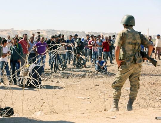 130,000 Syrian Refugees Reach Turkey