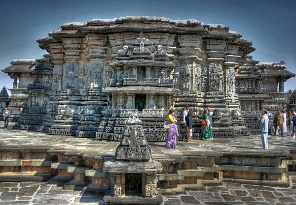13 Beautiful Ancient Temples In India That Will Take You