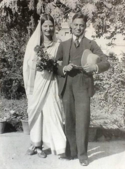 savitri khanolkar