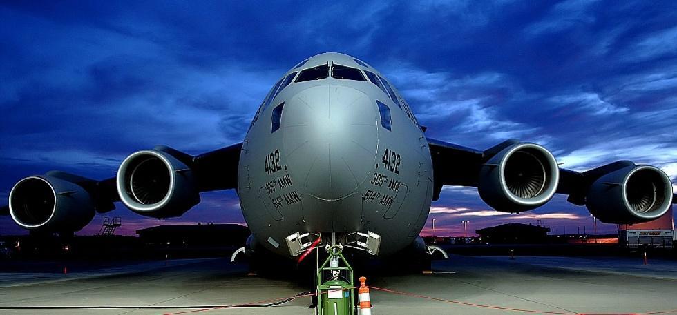 C-17 wallpapercow