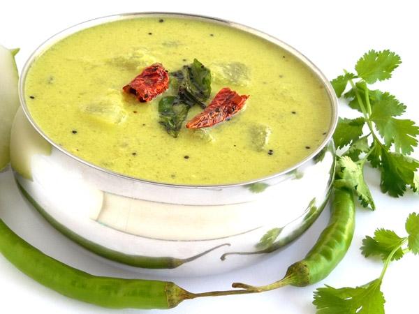 Steamed Palak Pakoda Kadhi Recipe