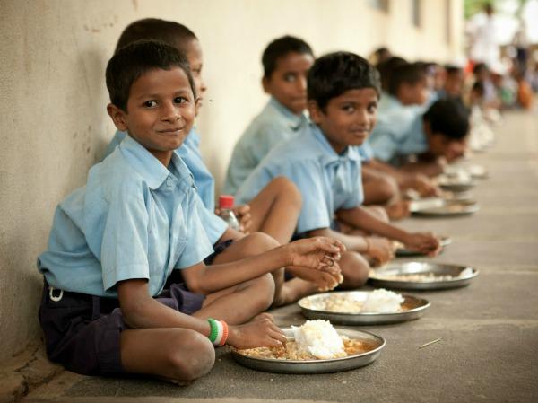 School children eating