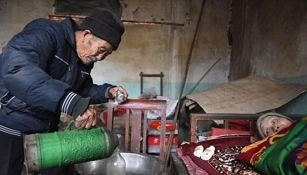 Chinese man who has been taking care of his wife for 56 years