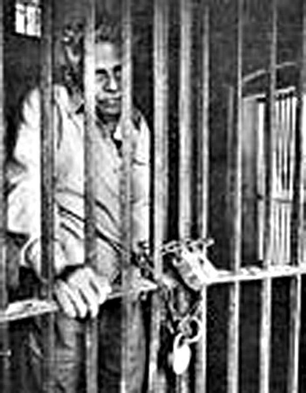 Mr natwarlal in jail