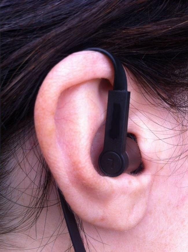 14 Ways Your Headphones Are Actually Ruining Your Life