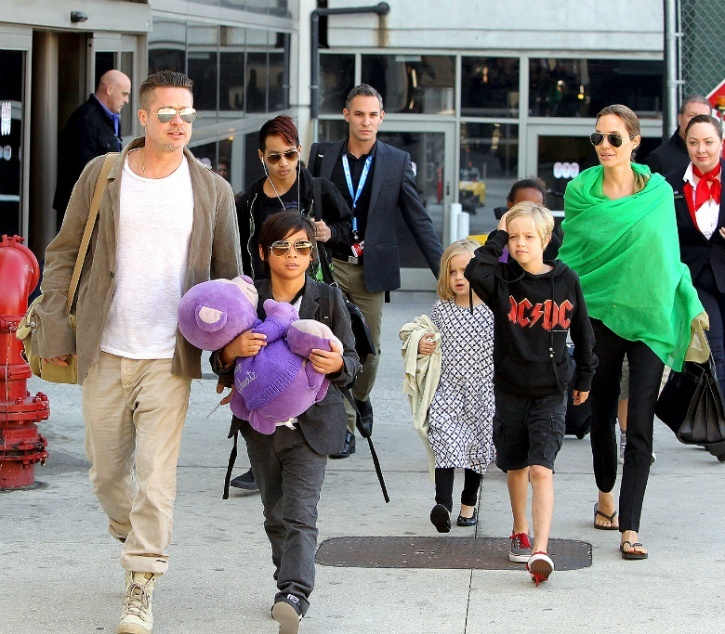 Angelia Jolie and Brad Pitt with family