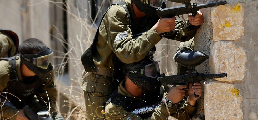 Army with Pellet Gun