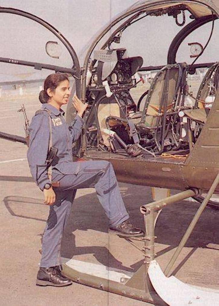Gunjan Saxena Srividya Rajan Real Kargil Story Wiki Bio Age Family Of Iaf Pilots