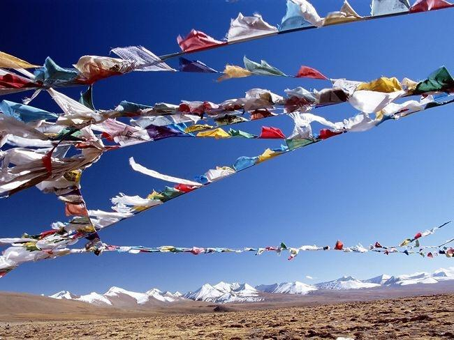 8 things you should know about tibetan prayer flags before hanging
