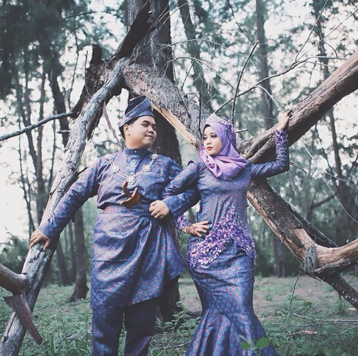 Malaysia Culture: 28 Stunning Pictures Of Traditional Wedding Attire From