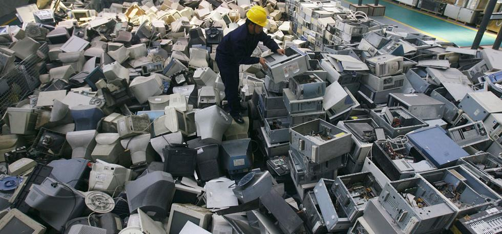 One Of The Largest Smartphone Market, India Is Also The Fifth Largest E-Waste Producer!