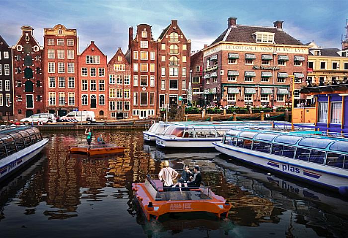 robot boat amsterdam