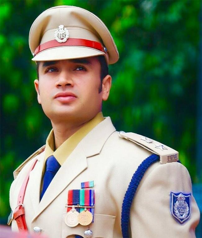 This Handsome IPS Officer Is Giving Bollywood Actors A Run