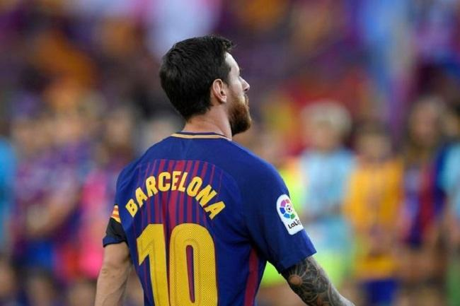 ae6fe93af5d Nameless Jerseys   Black Armbands - Lionel Messi   Co. Pay Tribute ...