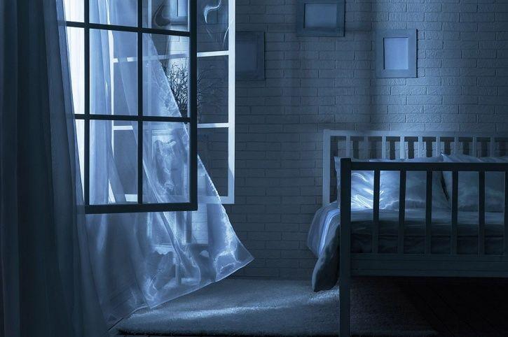 Open windows and doors can improve sleep quality