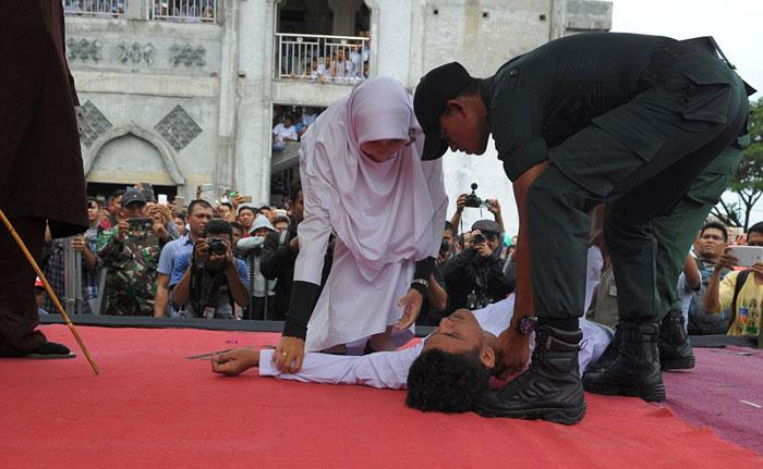 Malaysian State Amends Law To Allow Public Caning For -8699