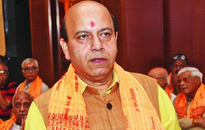BJP Leader Vijay Jolly Robbed By Bikers While Having Gol