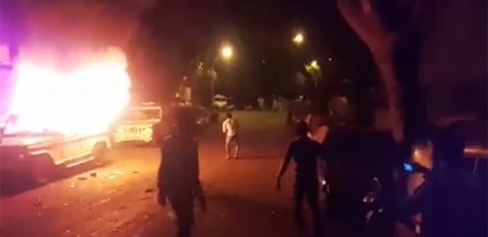 Two police vehicles set ablaze by a mob in Trombay