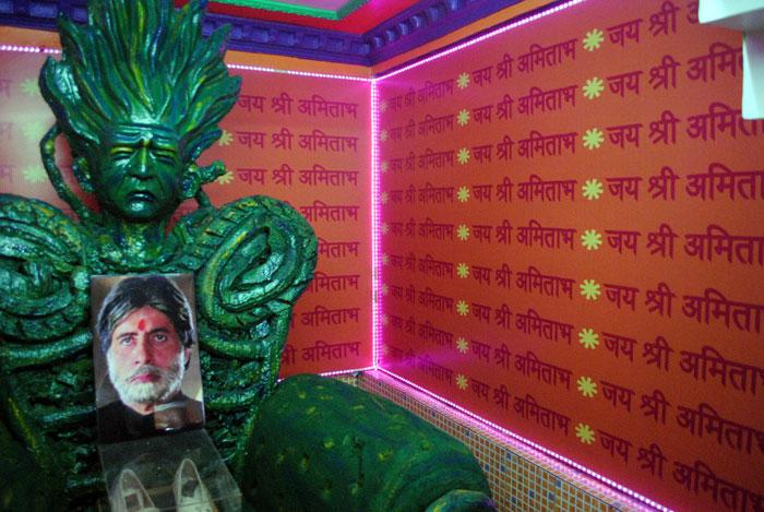 Big B's temple in Kolkata