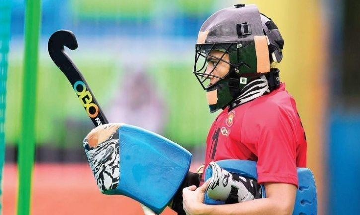 India Women Hockey Team s Goalkeeper Savita Punia Is Desperately ... ca41a8febc