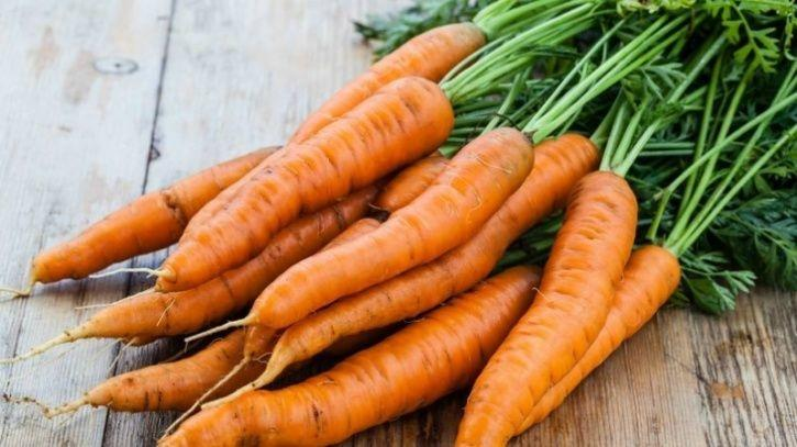 Carrots Turns out carrots are not only loaded with the antioxidant beta-carotene and vitamin A that is beneficial for your eyes, but also with Vitamin C that help bolster your immune system. Studies have also shown its benefits in reducing the risk of cancer.