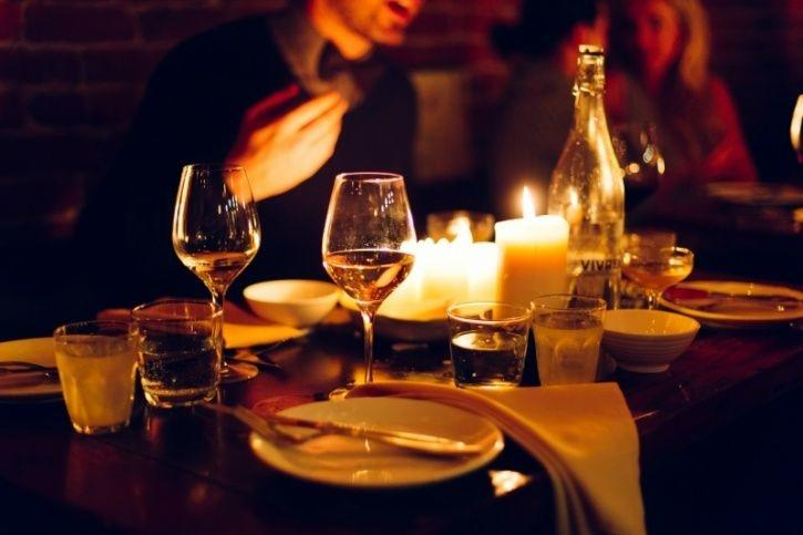 Set the right mood for eating Being in a relaxed state while you eat satisfies you more and makes you unlikely to overeat. A study on this subject once revealed that people who dined in a relaxed environment with dimmed lighting and mellow music ate 175 calories lesser every meal.