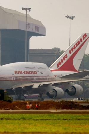 Air India Staffer Forgets Phone On International Flight Delays It By 2 Hours