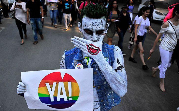 sexe costume gay beau cul gay sexe