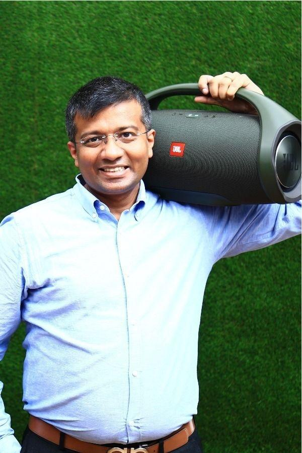 JBL Boombox: This Rs 30,000 Bluetooth Speaker Delivers A Powerful