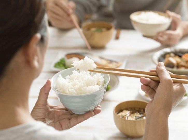 A low calorie diet may eventually be more favorable for men than for women