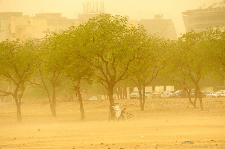 Dust storm, Delhi air quality, particulate matter, Oman, Central Pollution Control Board