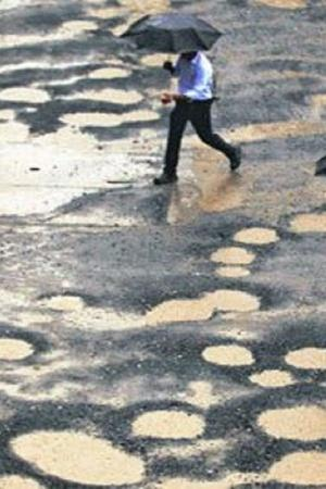India Mumbai Potholes People Indian People Mumbai City Road Death Accidents
