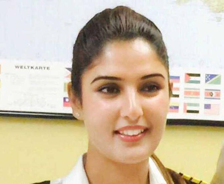 Hosenträger Kashmiri heißes Mädchen Foto