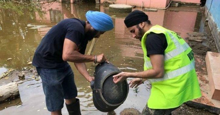 Khalsa Aid serving people