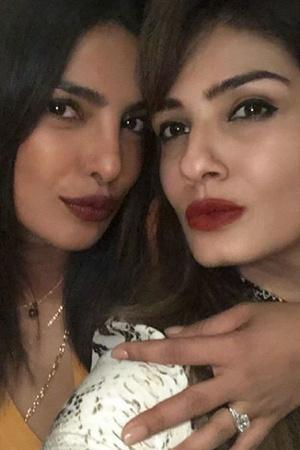 Priyanka Chopra Flaunts Her Huge Ring While Nick Jonas Family Heads To India For Engagement Party