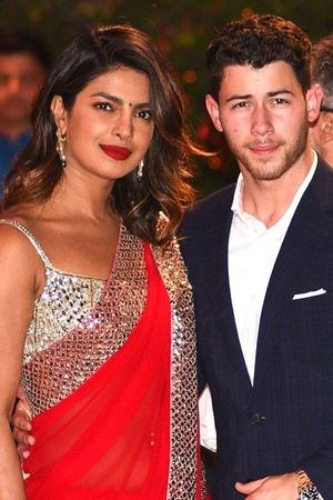 Priyanka Chopras Humongous Engagement Ring From Nick Jonas Costs Rs 14 Cr Reportedly Here Are The