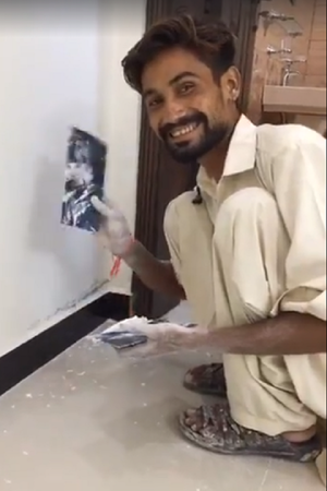 This Pakistani Painters Voice Is So Mesmerising That People Are Reminded Of Arijit Singh