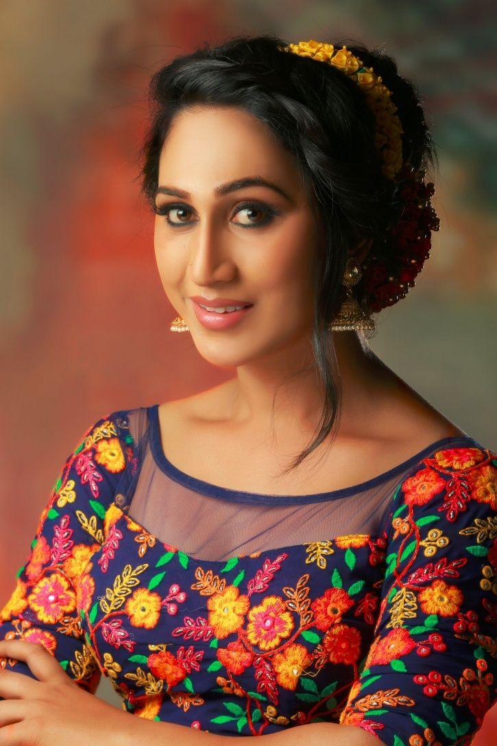 Anjali Ameer