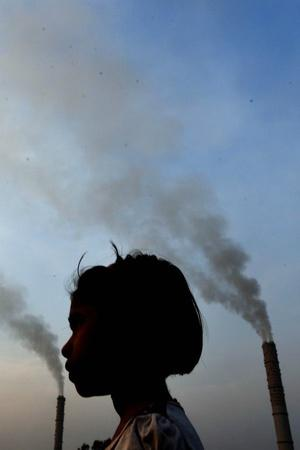 Delhi air pollution CPCB coldest morning industrial areas smog