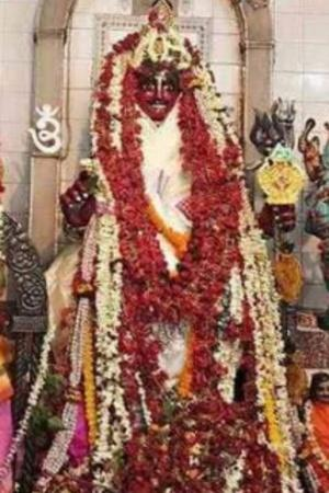 Jugaadu Thieves Use Sticks Through Temple Ventilator To Steal Jewellery Worth Lakhs From Idols