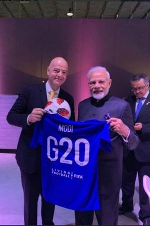 Narendra Modi FIFA Presidentfootball jersey Gianni Infantino Argentina G20 summit