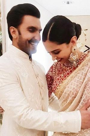Ranveer Singh Wins Best Actor Leaves Wife Deepika Padukone TearyEyed By Saying Baby I Love You