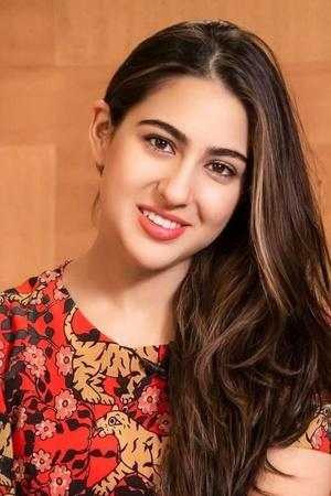 Sara Ali Khan Aspires To Keep It Real Says Shes Trying To Be As Organic As She Can