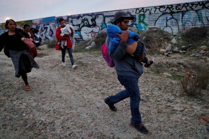 U.S Border security, Guatemala girl, spanish, immigrants, Donald Trump, dehydration