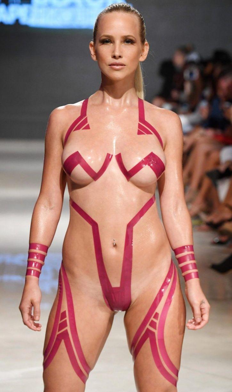 Hot girls nude nylons