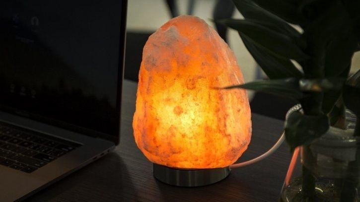 Himalayan Salt Lamp Side Effects Awesome Do The Charming Himalayan Salt Lamps Live Up To Their Imposing
