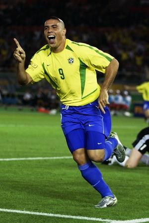 Ronaldo scored 2 goals in the 2002 FIFA World Cup final
